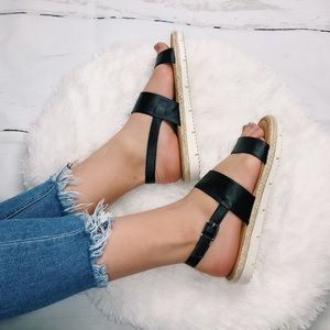 Shoes - 🆕Espadrilles sandals